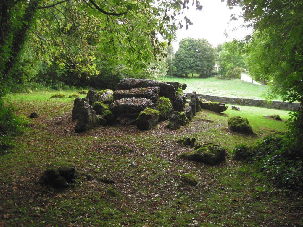 Court grave, Lough Gur, Ireland. (c) M. Watterson
